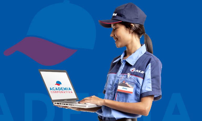 Frentista mulher do posto ALE faz um curso de capacitação da Academia Corporativa.